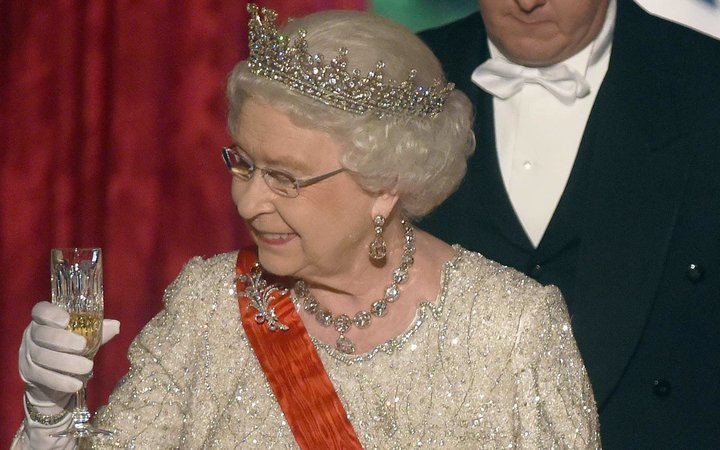 The Queen's Sparkling Wine