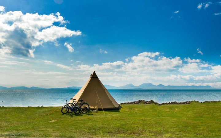 Camping at the Port Ban campsite overlooking the Island of Jura.