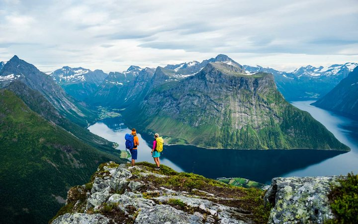 Trail running and Hiking Hjørundfjorden