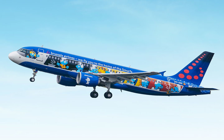Brussels Airlines Smurfs plane