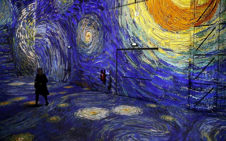 Van Gogh, La Nuit Etoilee - Van Gogh, Starry Night  : Digital Exhibition At Atelier Des Lumieres In Paris