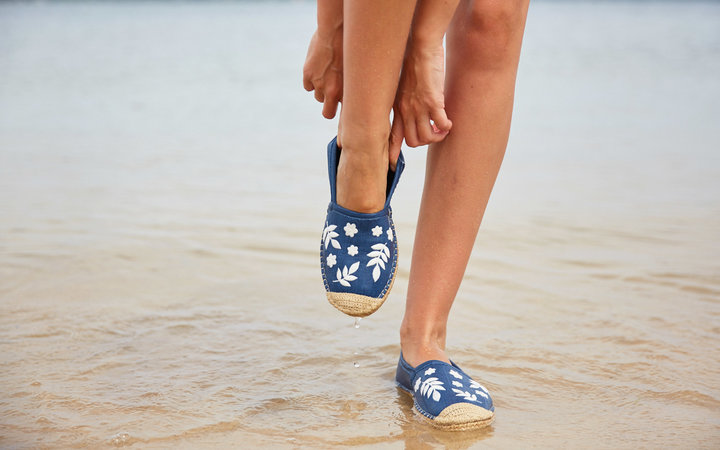 sea star water shoes