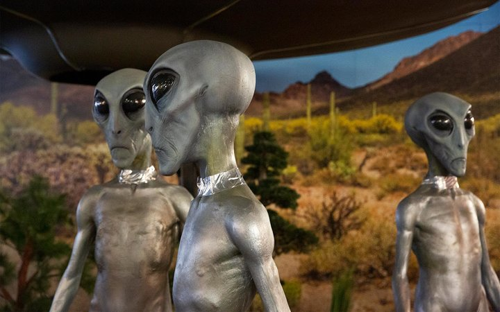 Aliens at the UFO Museum in Roswell