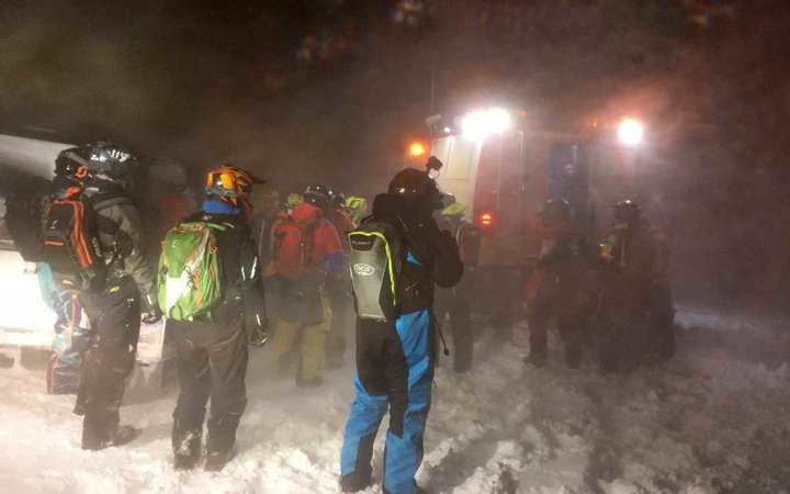 ICE-SAR rescue teams in Iceland during a blizzard