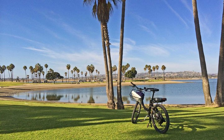 Mission Bay bike paths in San Diego