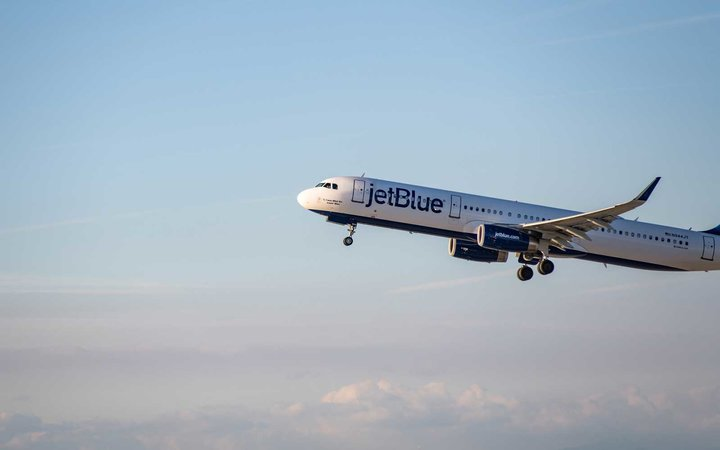 Jetblue Airline jet takes off at LAX