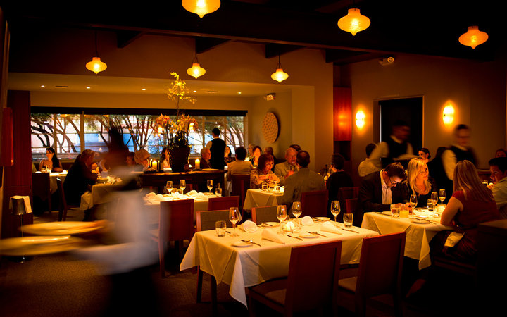 Manresa dining room with people