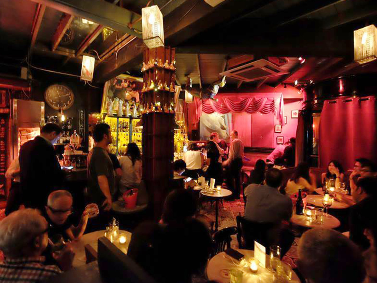 Smalls Bar in Bangkok