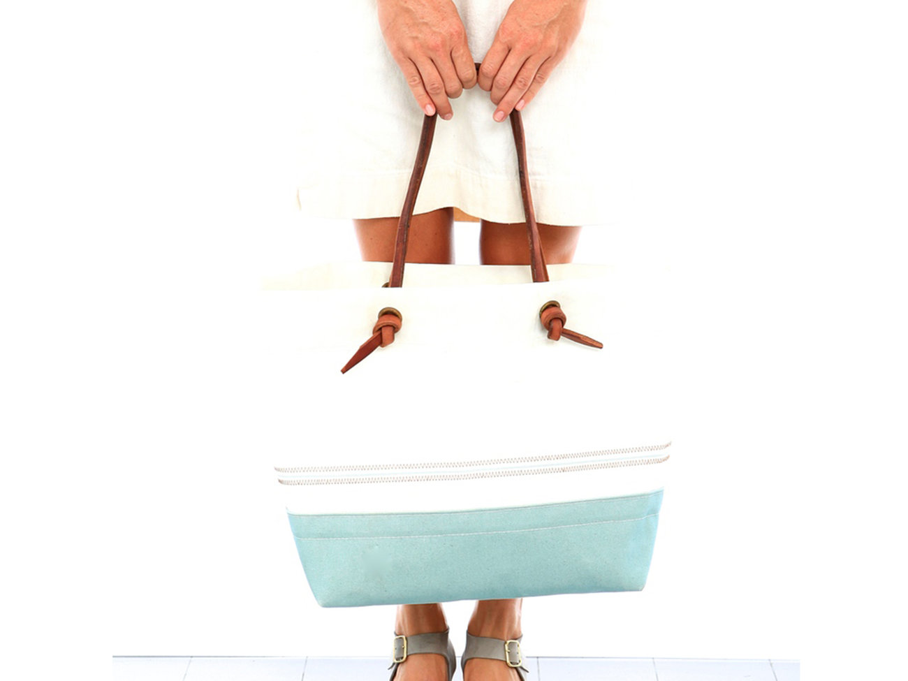 ocean-knotted-tote-bag-ecogiftguide1215.jpg