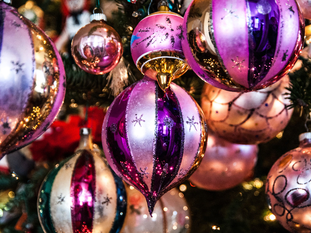 ornaments-holiday-homepg-gg1115.jpg