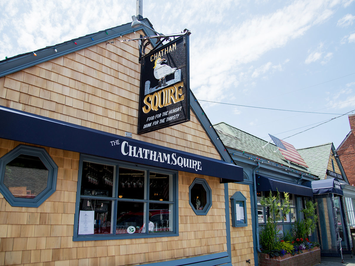 Chatham Squire Bar in Cape Cod