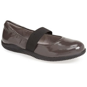 soft-walk-mary-jane-ballet-flat