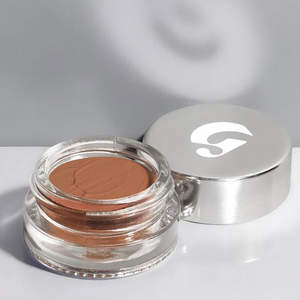 5-minute-makeup-glossier