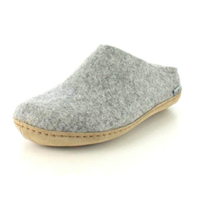 best-cozy-gifts-slippers