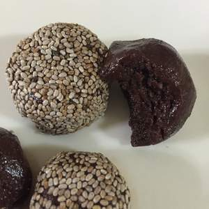 holiday-treat-chocolate-balls
