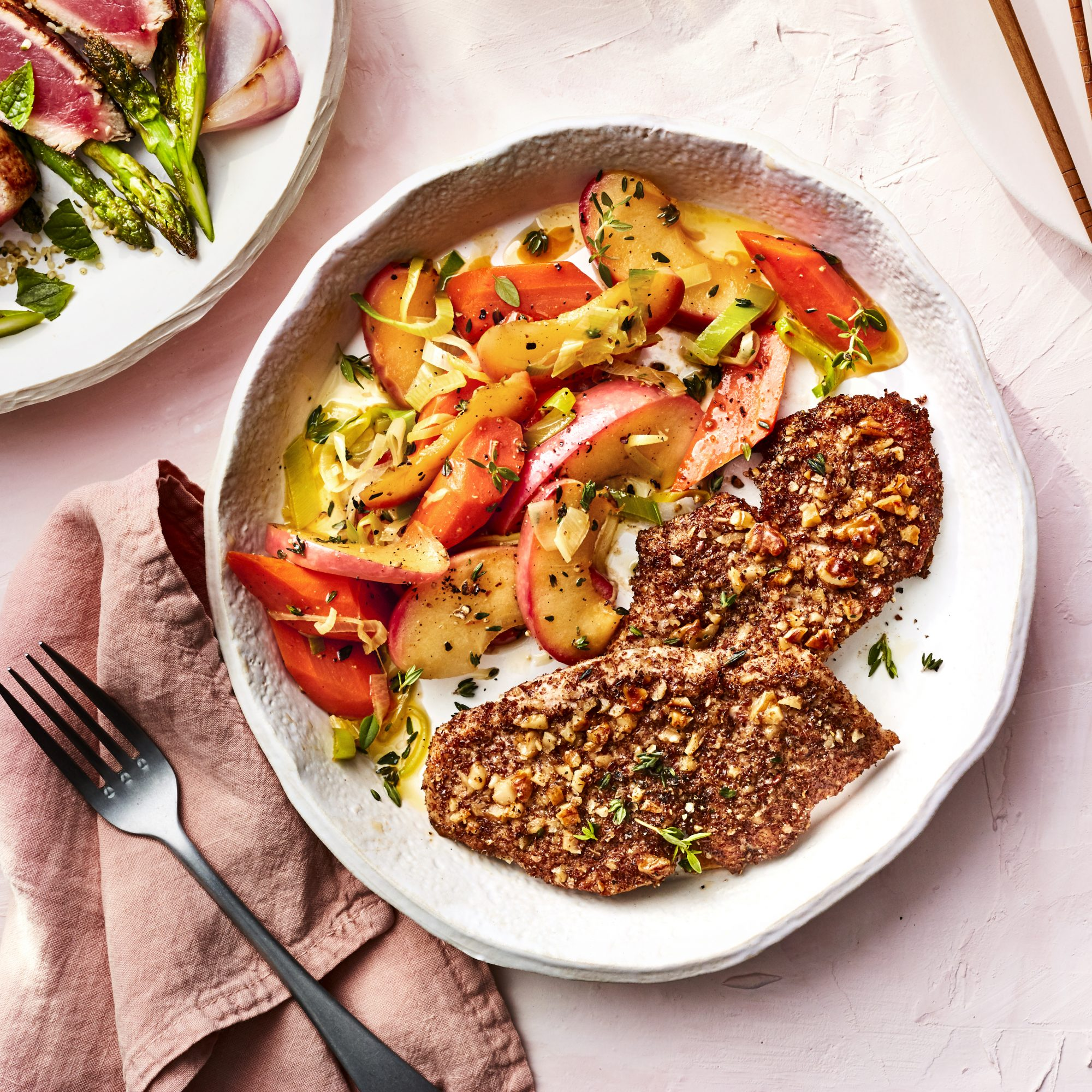 MARCH 2019 health magazine woman diet food recipe WALNUT-CRUSTED TURKEY WITH LEEKS AND APPLES