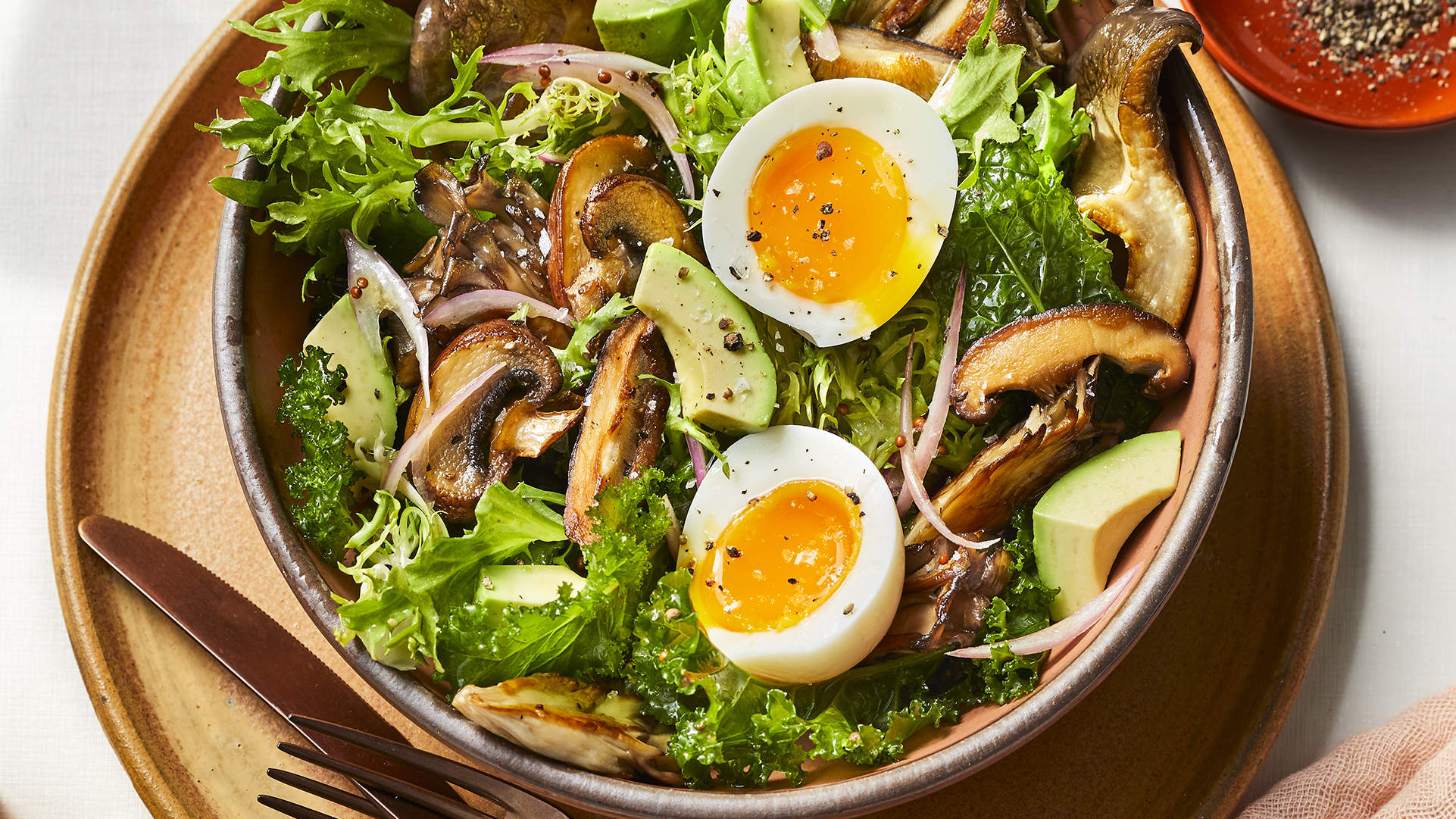 mushroom-breakfast-salads-health-mag-april-2020