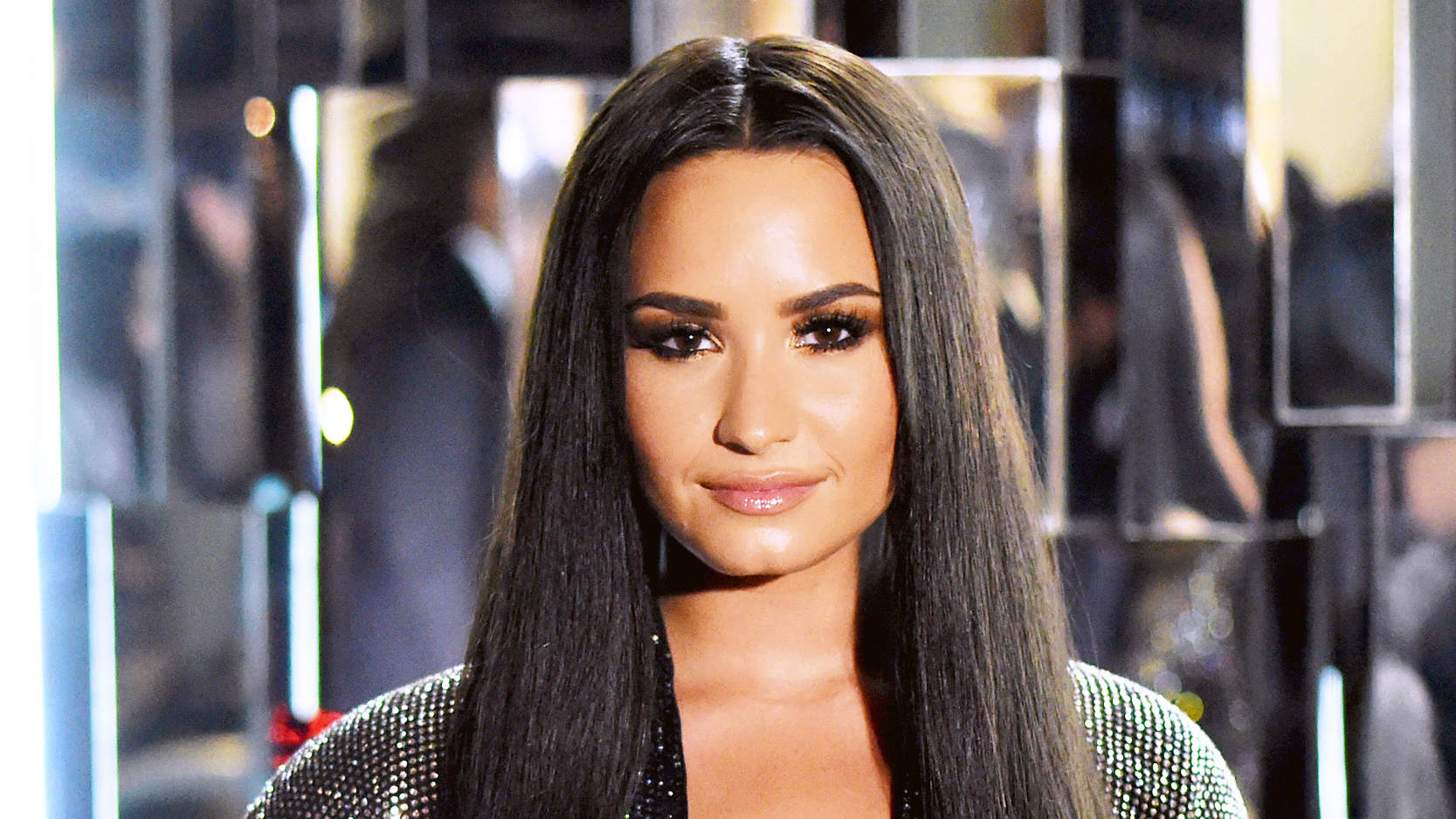 Clone of Demi Lovato Just Chopped Off All Her Hair