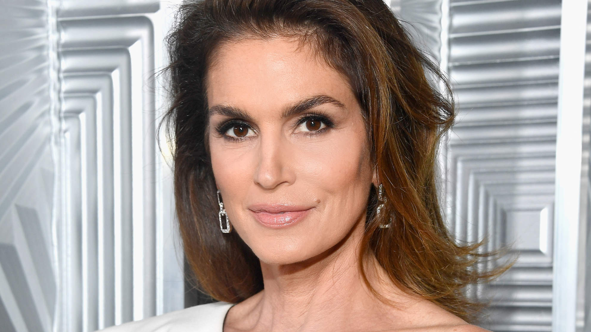 Cindy Crawford Gets Candid About Aging and the Pitfalls of Modeling