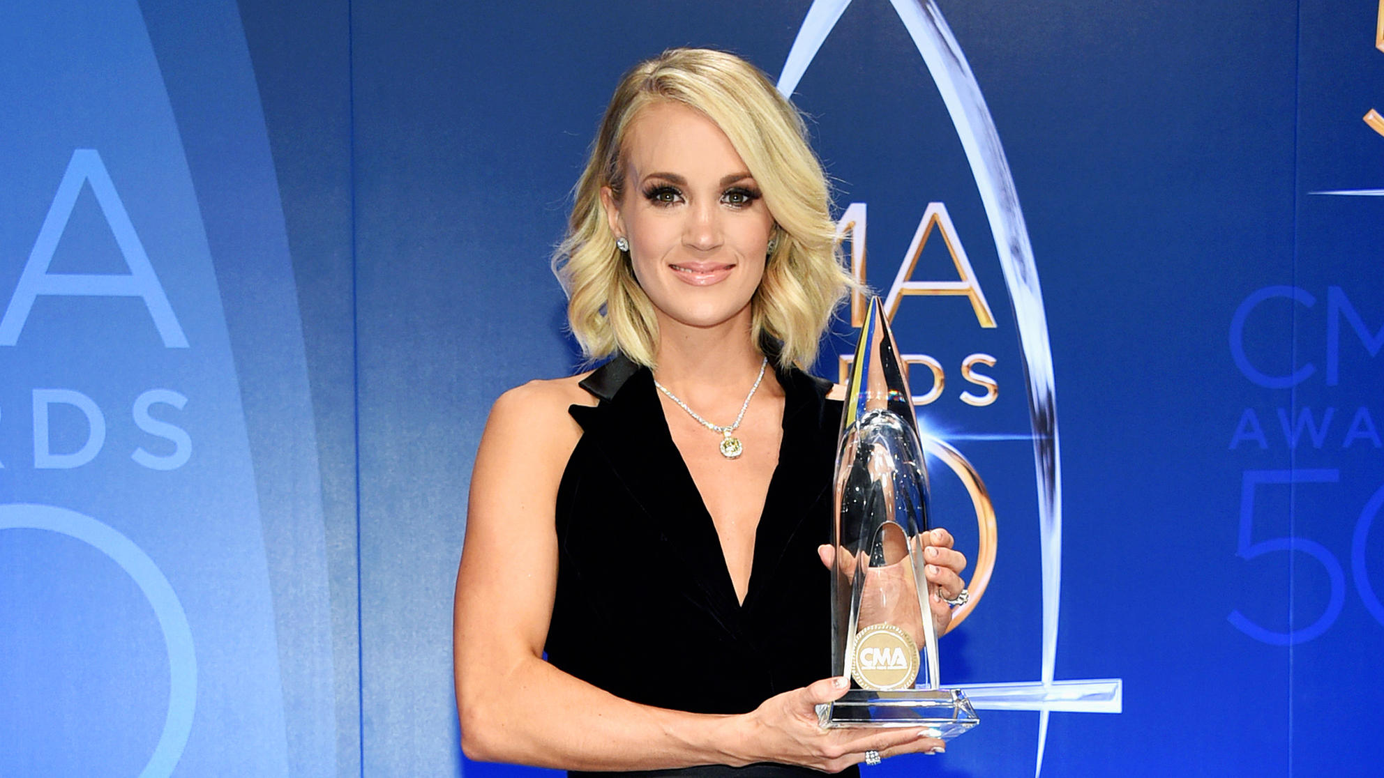 Carrie Underwood's Trainer Erin Oprea Shares the 4 Best Moves to Tone Your Arms
