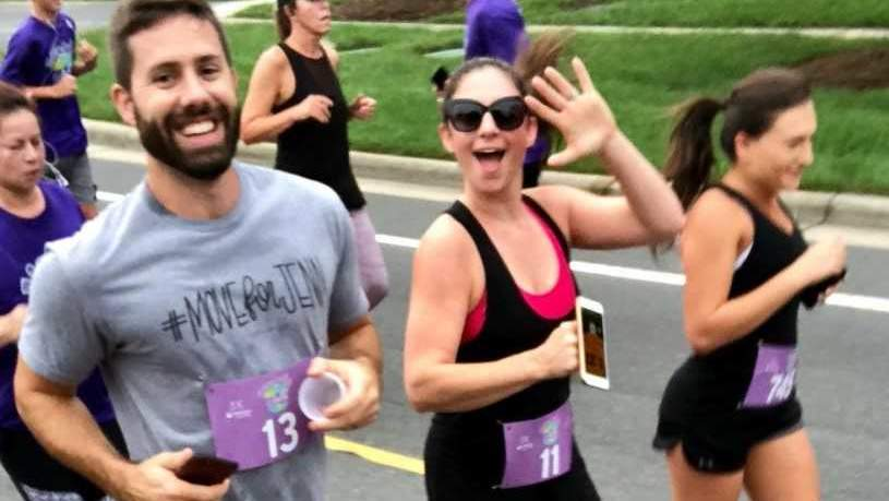Mom Who Found Cancerous Tumor During Pedicure Runs 5k Just 6 Months After Foot Amputation