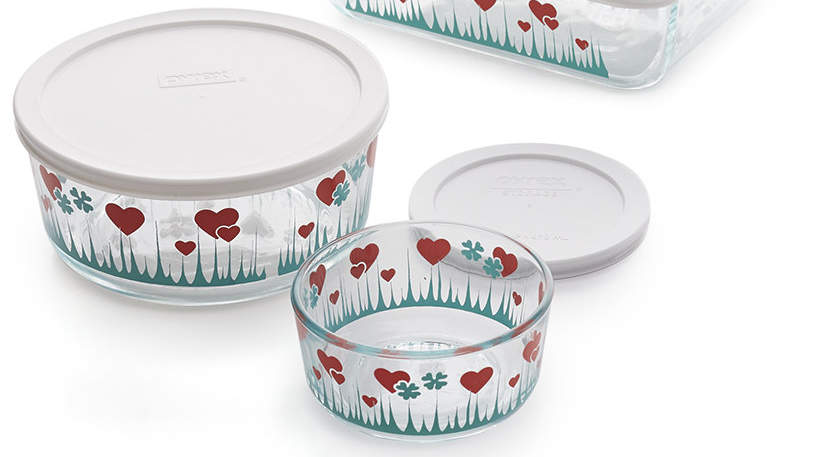 Pyrex Is Bringing Back a Coveted Vintage Pattern