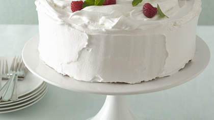 meringue-berry-cake