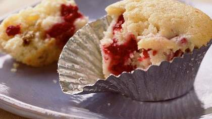 Raspberry-Cream Cheese Muffins