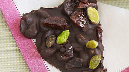 cherry-chocolate-bark