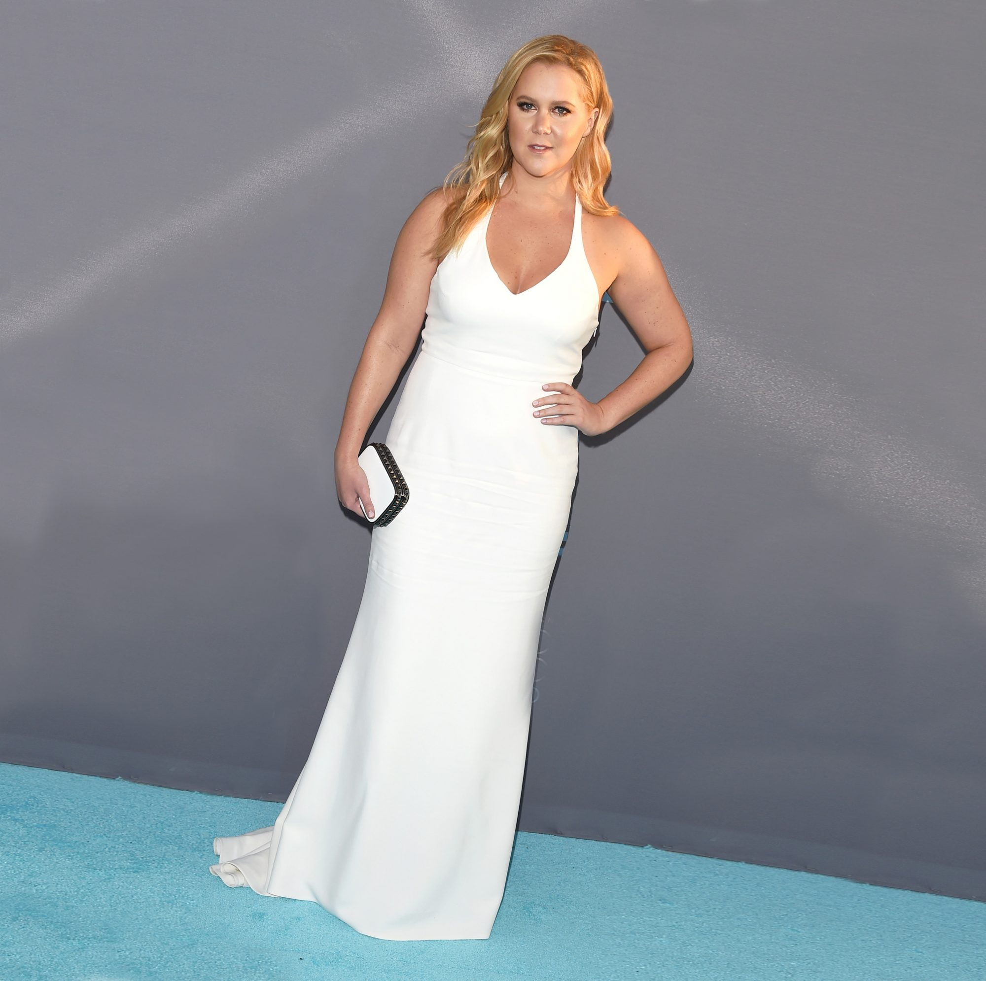 amy-schumer-white-dress