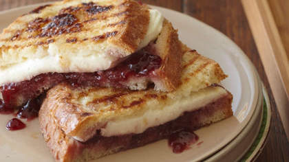 mozzarella-raspberry-brown-sugar-panini