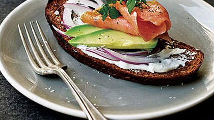 smoked-salmon-avocado