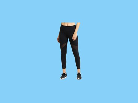 8203db5ec13db 7 Black Leggings That Are Perfect for Traveling