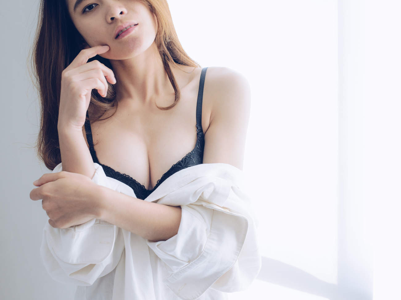 small-chest-lingerie-gettyimages-826966930