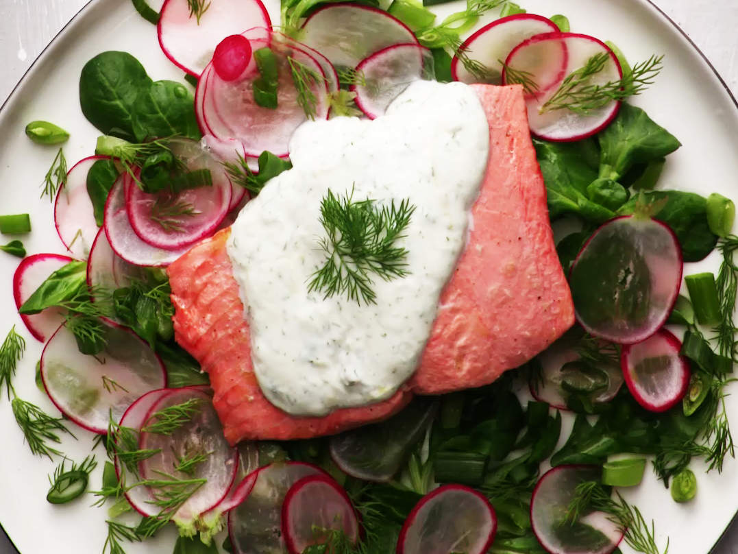 poached-salmon-and-watercress-salad-with-dill-yogurt-dressing-video