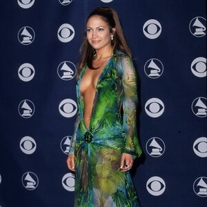 Jennifer Lopez Just Wore Her Iconic Green Grammys Dress 19Years Later