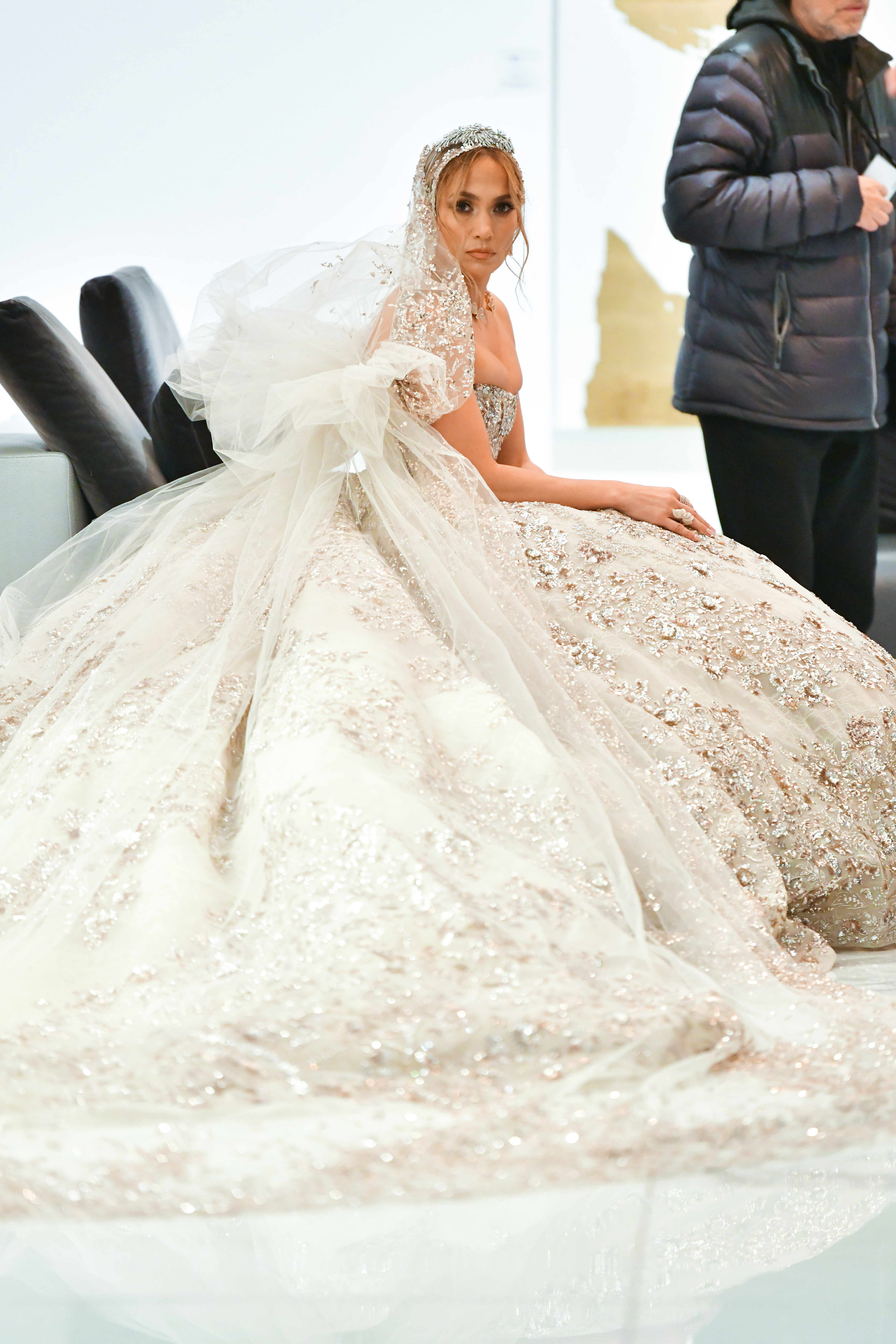 Amsale Dishes On Kate Hudson S Something Borrowed Wedding Gown