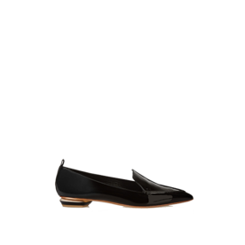 Patent leather pointy-toe flats