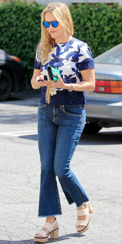 Reese Witherspoon Street Style Slide