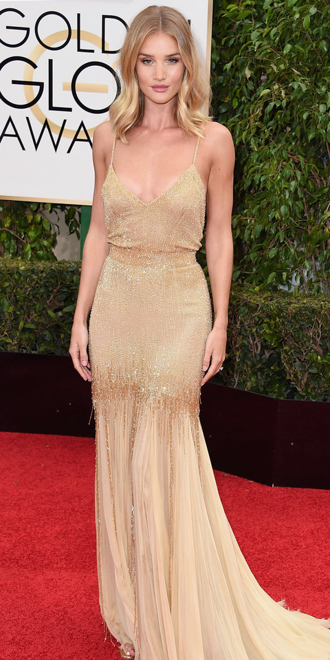Rosie Huntington Whiteley arrives at the 73rd Annual Golden Globe Awards at The Beverly Hilton Hotel on January 10, 2016 in Beverly Hills, California.