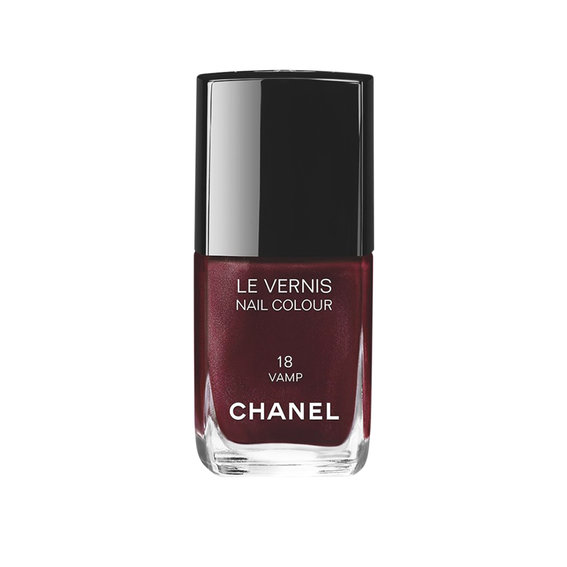 Best Dark Nail Polish: Chanel Vamp