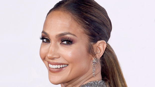 LOS ANGELES, CA - JANUARY 18: Actress/recording artist Jennifer Lopez attends the People's Choice Awards 2017 at Microsoft Theater on January 18, 2017 in Los Angeles, California. (Photo by Kevork Djansezian/Getty Images)
