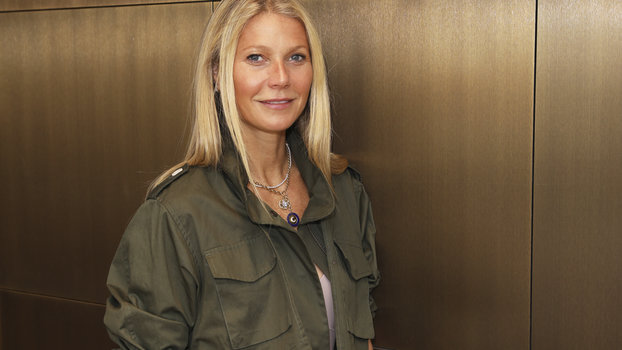 Gwyneth Paltrow Posted a Makeup-Free Selfie With Her WFH Coworkers