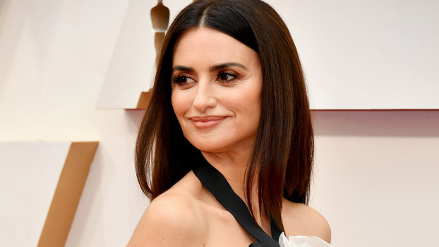 This Anti-Aging Serum Was the Secret to Penélope Cruz's Glowing Skin at the Oscars
