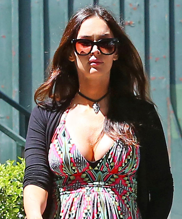 Pregnant Megan Fox is spotted grabbing lunch with estranged husband Brian Austin Green in Santa Monica on April 12, 2016. The couple has filed for a divorce, but the unexpected pregnancy may postpone the decision to separate entirely, as they focus on the