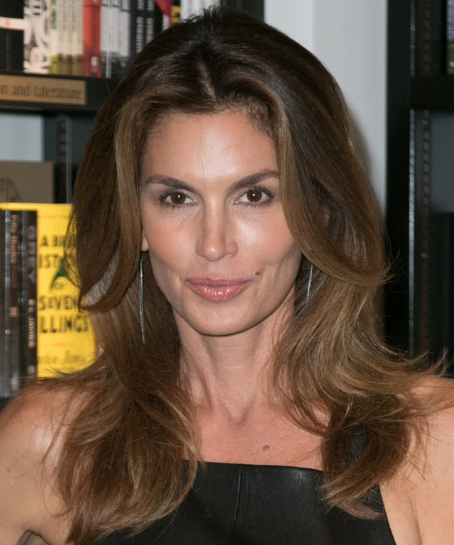 BAL HARBOUR, FL - OCTOBER 06:  Cindy Crawford signs copies of her book  Becoming  at Books and Books on October 6, 2015 in Bal Harbour, Florida.  (Photo by John Parra/WireImage)