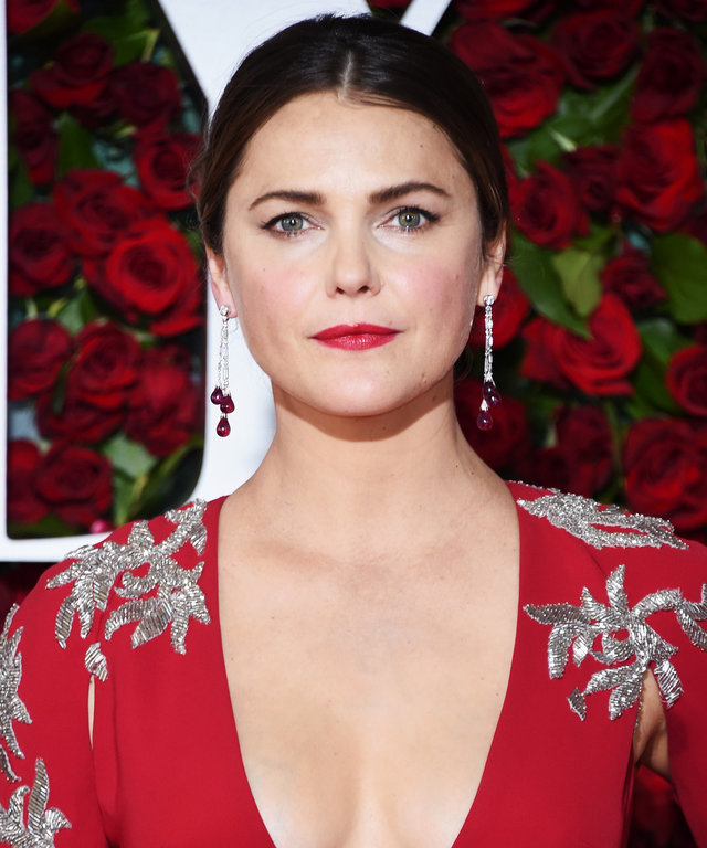 NEW YORK, NY - JUNE 12: Actress Keri Russell attends the 70th Annual Tony Awards at The Beacon Theatre on June 12, 2016 in New York City. (Photo by Dimitrios Kambouris/Getty Images for Tony Awards Productions)