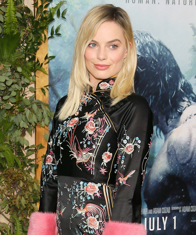 HOLLYWOOD, CA - JUNE 27: Actress Margot Robbie attends the premiere of Warner Bros. Pictures' 'The Legend of Tarzan' on June 27, 2016 in Hollywood, California. (Photo by JB Lacroix/WireImage)
