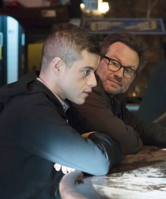 MR. ROBOT --  d3bug.mkv  Episode 103 -- Pictured: (l-r) Rami Malek as Elliot, Christian Slater as Mr. Robot -- (Photo by: Virginia Sherwood/USA Network/NBCU Photo Bank)