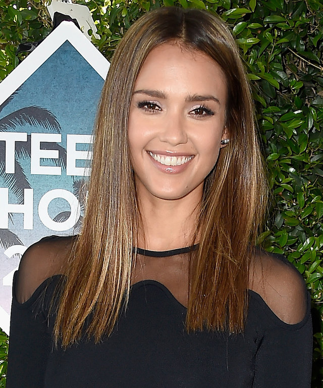 INGLEWOOD, CA - JULY 31:  Actress Jessica Alba attends the Teen Choice Awards 2016 at The Forum on July 31, 2016 in Inglewood, California.  (Photo by Frazer Harrison/Getty Images)